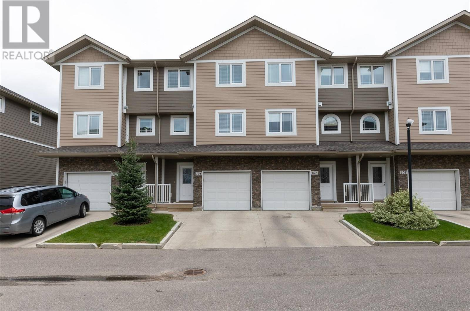 Townhouse for sale at 212 Willis Cres Unit 106 Saskatoon Saskatchewan - MLS: SK787823