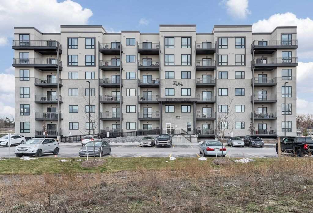 Buliding: 295 Cundles Road East, Barrie, ON