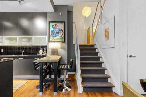 Condo for sale at 380 Macpherson Ave Unit 106 Toronto Ontario - MLS: C5002331