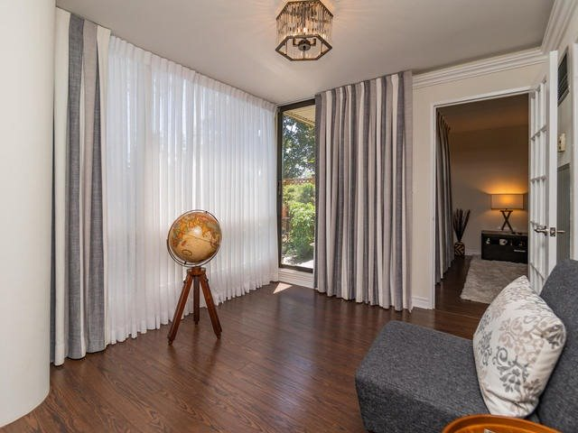 For Sale: 106 - 40 Harding Boulevard, Richmond Hill, ON | 1 Bed, 2 Bath Condo for $538,000. See 20 photos!