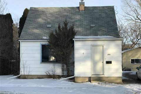 House for sale at 106 9th St Weyburn Saskatchewan - MLS: SK799803
