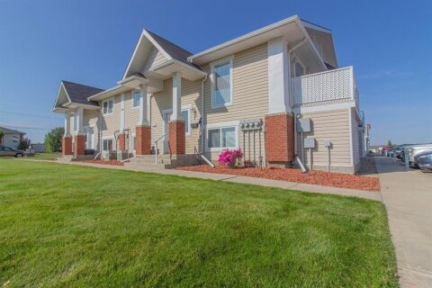 Townhouse for sale at 106 Broadway Ave W Redcliff Alberta - MLS: A1023296
