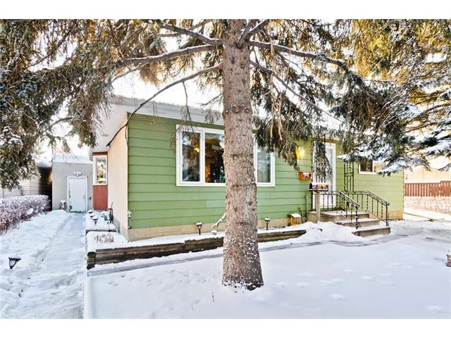 Sold: 106 Dovercliffe Close Southeast, Calgary, AB
