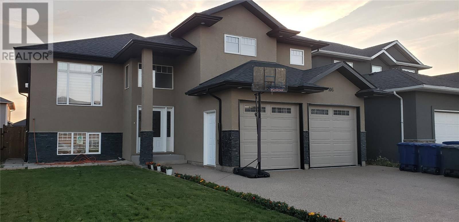 House for sale at 106 Kloppenburg Cres Saskatoon Saskatchewan - MLS: SK779725