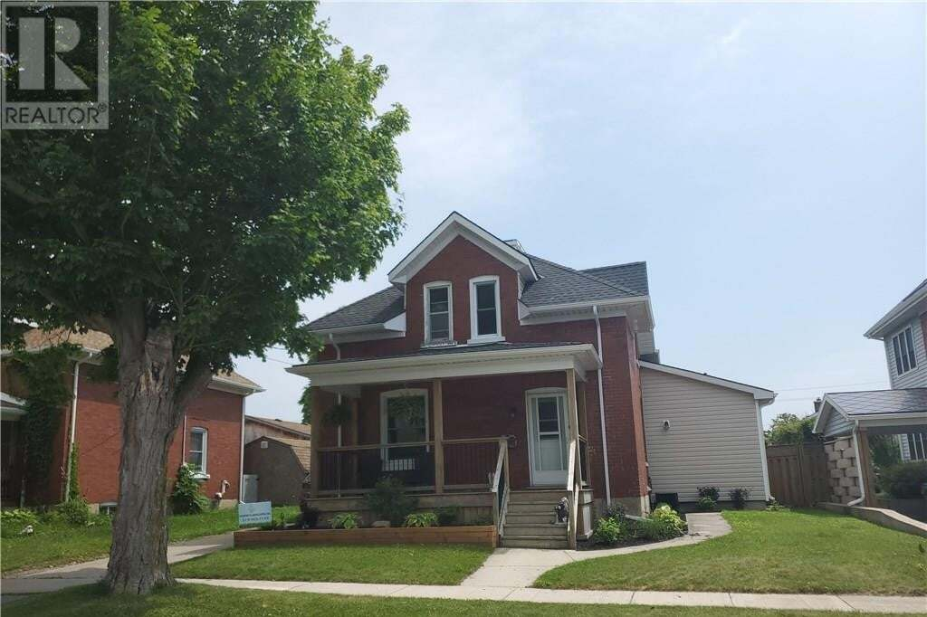 House for sale at 106 Park St Goderich Ontario - MLS: 30818040