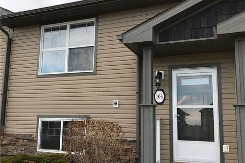 Townhouse for sale at 106 Redwood Blvd Springbrook Alberta - MLS: ca0165110