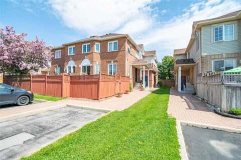 Townhouse for sale at 106 Rockhaven Ln Hamilton Ontario - MLS: X4769660