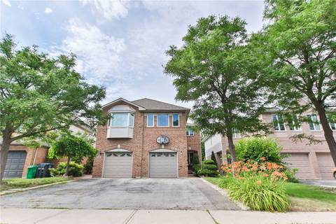 Townhouse for sale at 106 Townley Cres Brampton Ontario - MLS: W4522290