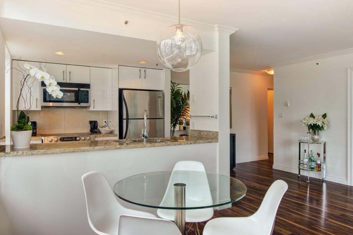 Apartment for rent at 1060 Alberni St Vancouver British Columbia - MLS: R2482110