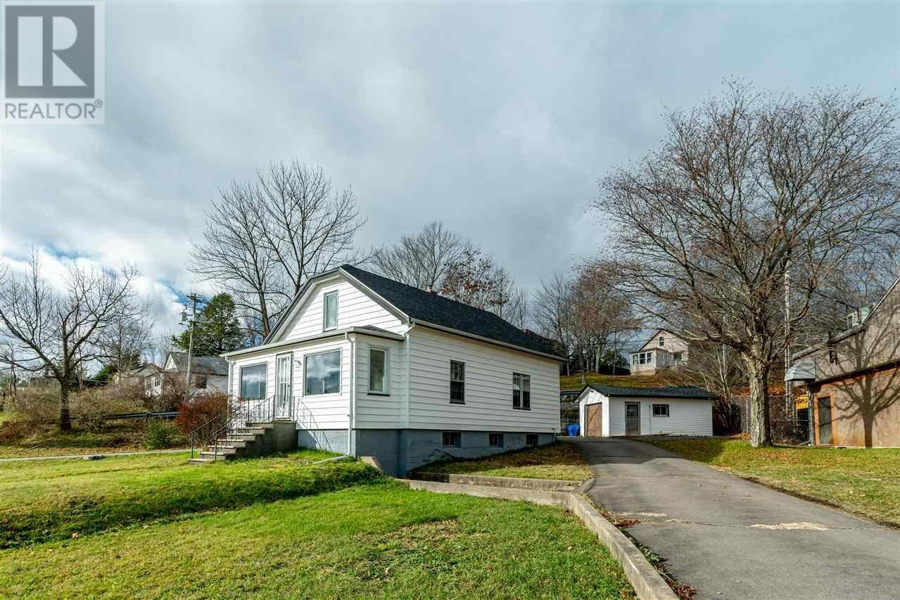 House for sale at 1060 Bedford Highway Hy Bedford Nova Scotia - MLS: 202024295