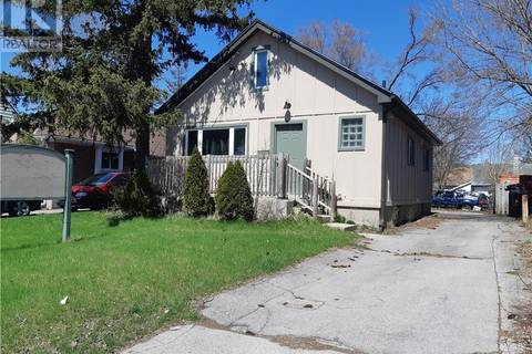 Residential property for sale at 1060 Oxford St East London Ontario - MLS: 190616