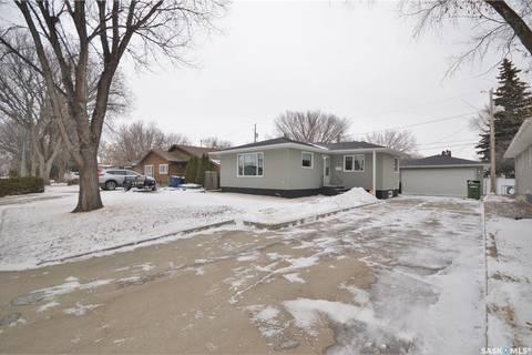 House for sale at 1061 Bogue Ave Moose Jaw Saskatchewan - MLS: SK800620