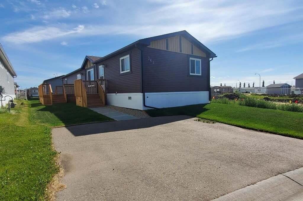 House for sale at 10615 88 St Grande Prairie Alberta - MLS: GP208658