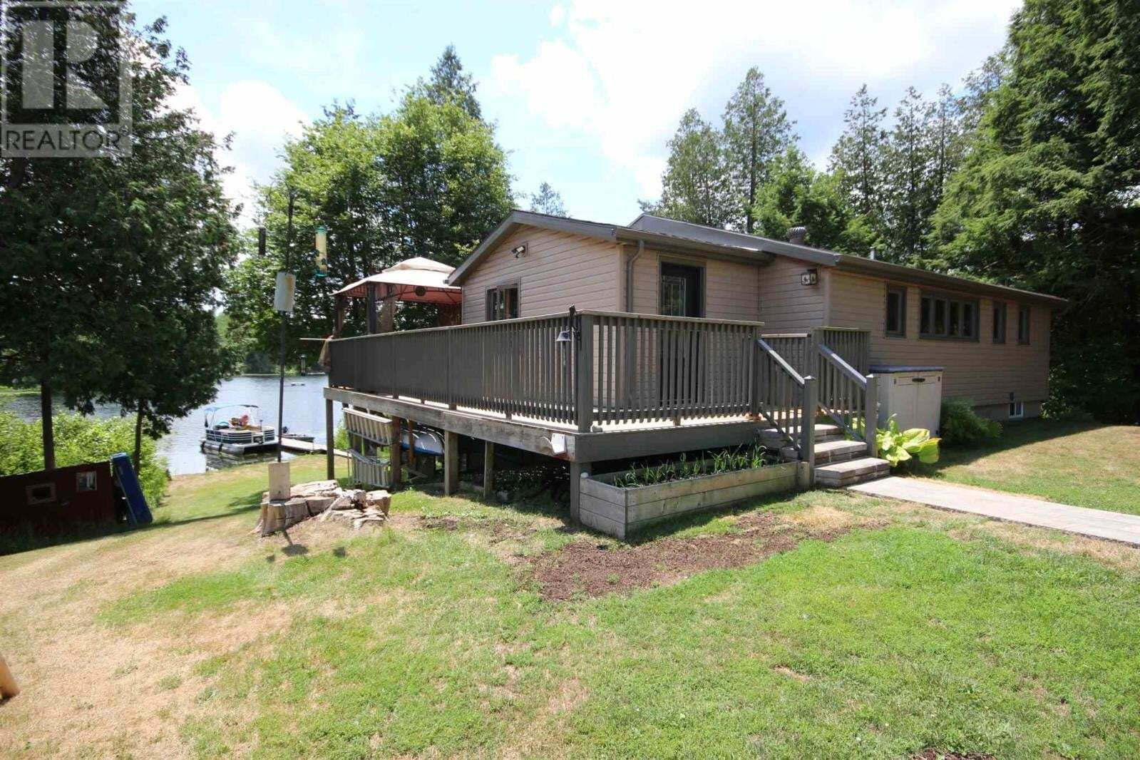House for sale at 1061 Cousins Ln South Frontenac Ontario - MLS: K20003859
