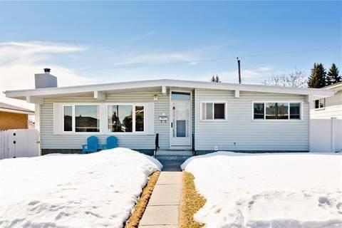 House for sale at 10627 Shillington Cres Southwest Calgary Alberta - MLS: C4292596