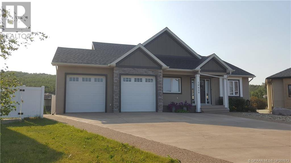 House for sale at 10629 84b St Peace River Alberta - MLS: GP207673