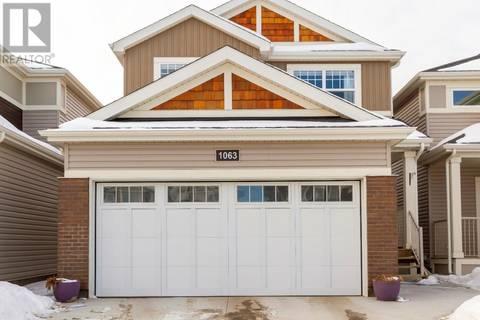 House for sale at 1063 Kolynchuk Cres Saskatoon Saskatchewan - MLS: SK799437