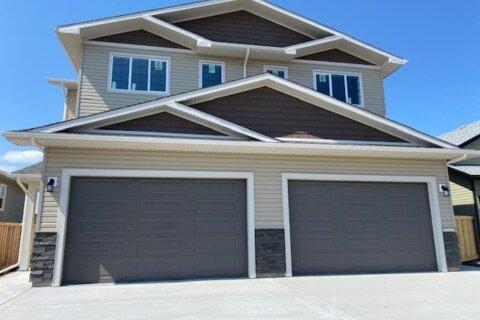 Townhouse for sale at 10630 114c St Grande Prairie Alberta - MLS: A1000973