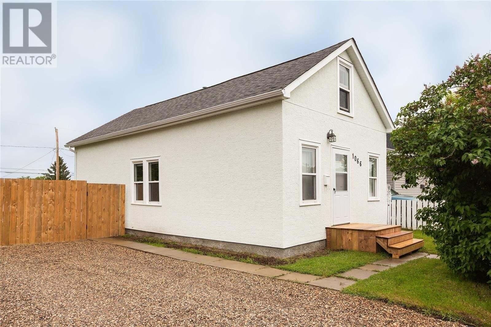 House for sale at 1066 4th St E Prince Albert Saskatchewan - MLS: SK813820