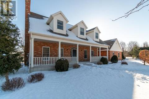 House for sale at 10698 Lakeview Drive  Chatham Ontario - MLS: 19012986