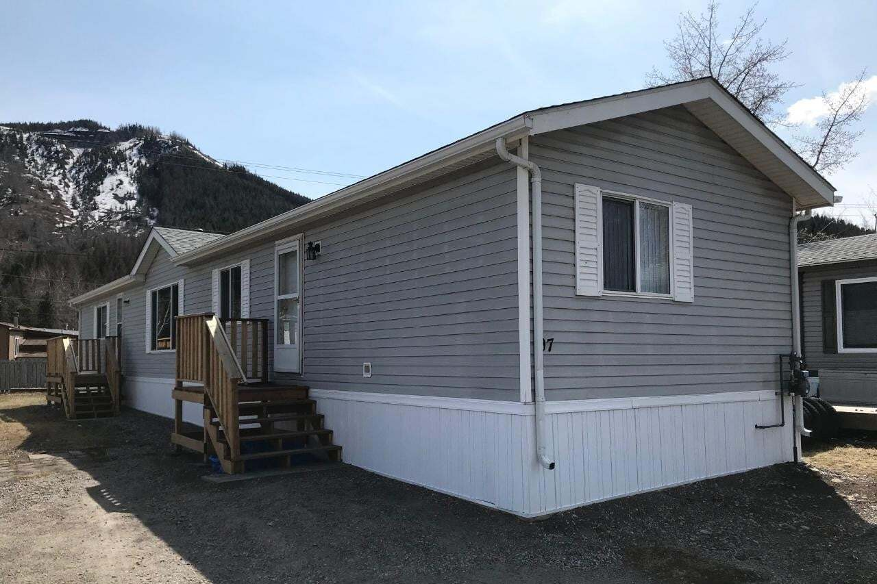Residential property for sale at 100 Aspen Drive  Unit 107 Sparwood British Columbia - MLS: 2452151
