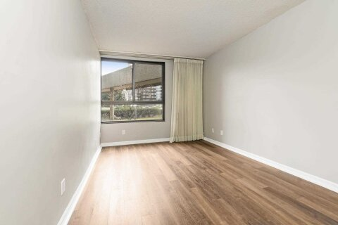 Condo for sale at 1300 Bloor St Unit 107 Mississauga Ontario - MLS: W5084737
