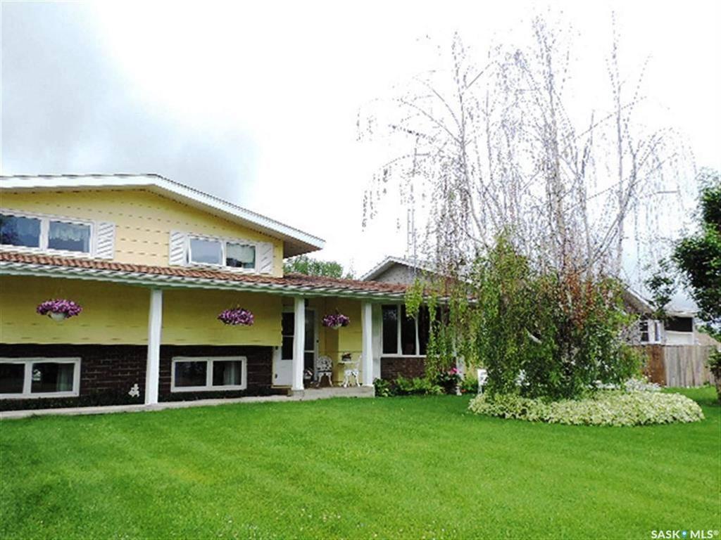 House for sale at 107 2nd St W Pierceland Saskatchewan - MLS: SK779699