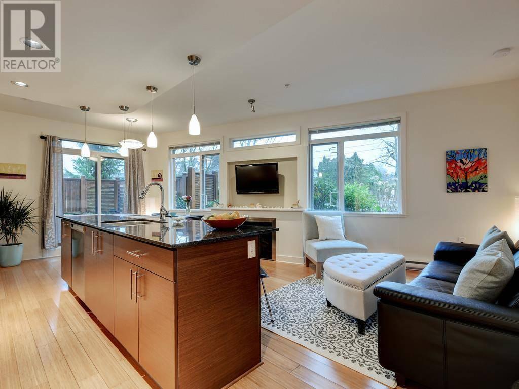 Condo for sale at 3614 Richmond Rd Unit 107 Victoria British Columbia - MLS: 420298