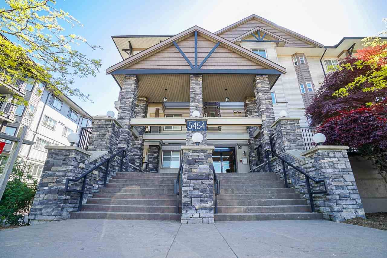 Buliding: 5454 198 Street, Langley, BC
