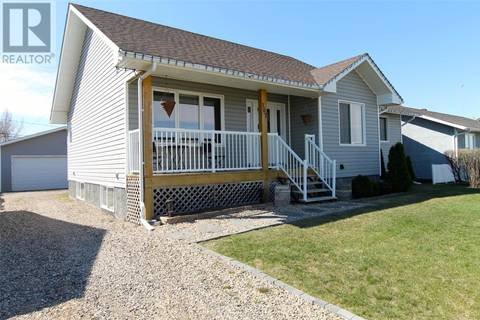 House for sale at 107 6th Ave E Delisle Saskatchewan - MLS: SK771557