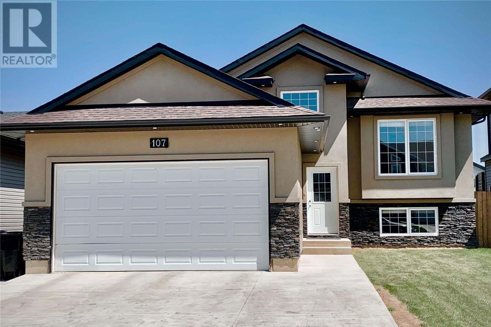 House for sale at 107 Atton Cres Saskatoon Saskatchewan - MLS: SK811014