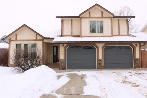 House for sale at 107 Balsam Cres Olds Alberta - MLS: A1037081