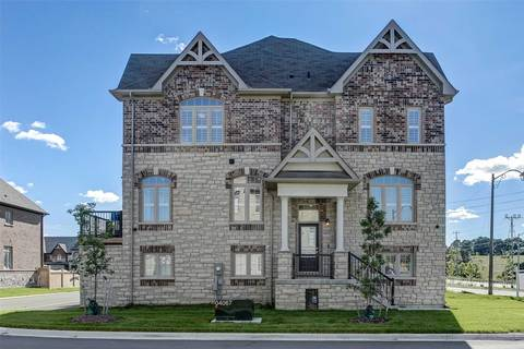 Townhouse for sale at 107 Beechborough Cres East Gwillimbury Ontario - MLS: N4502836