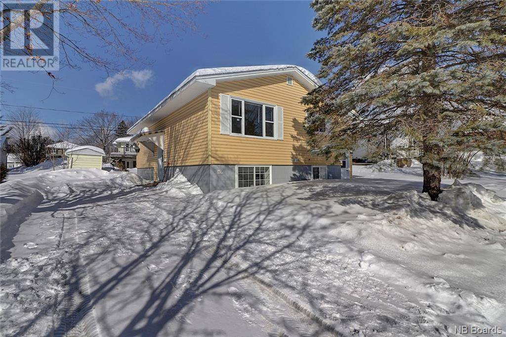 Townhouse for sale at 107 Capital Manr Fredericton New Brunswick - MLS: NB041096