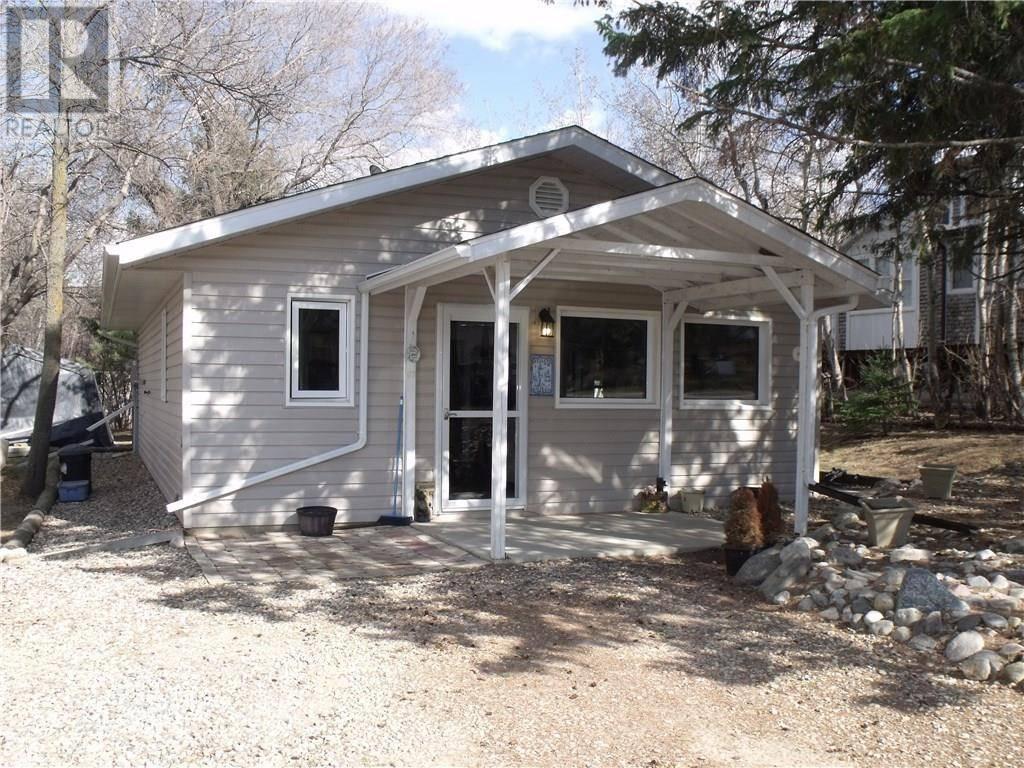 House for sale at 107 Charles St Manitou Beach Saskatchewan - MLS: SK770505