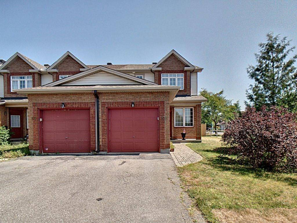 Townhouse for sale at 107 Duntroon Circ Ottawa Ontario - MLS: 1165450