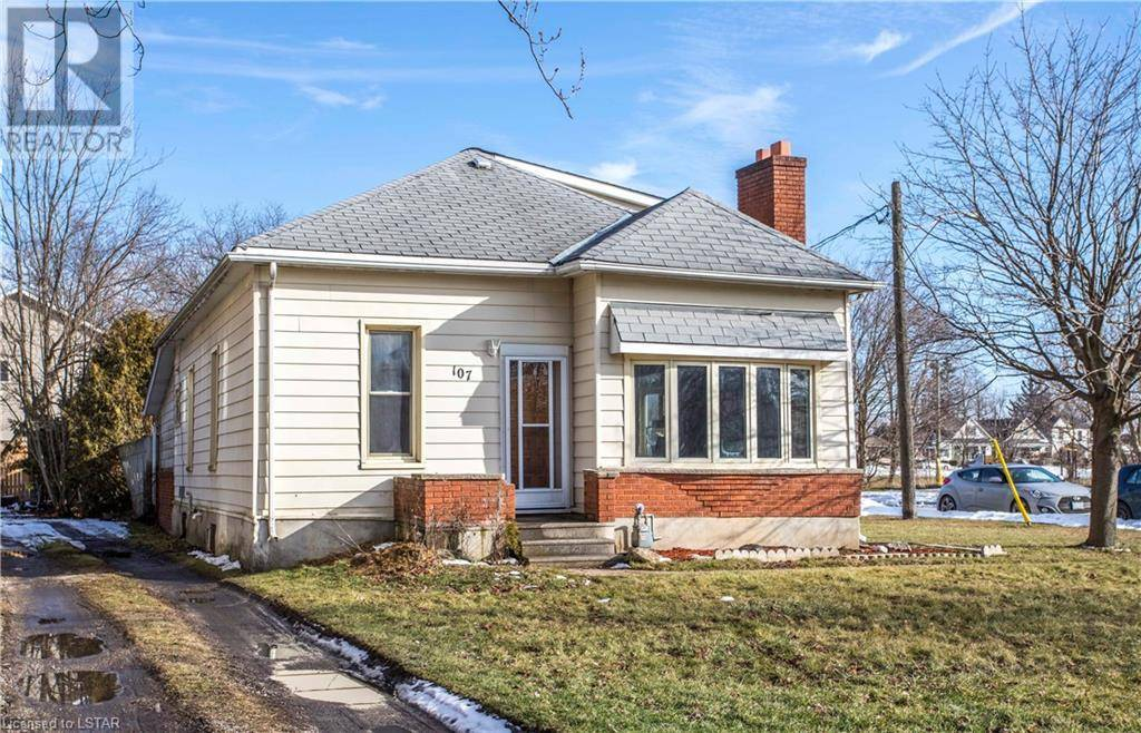 House for sale at 107 Flora St St. Thomas Ontario - MLS: 242658