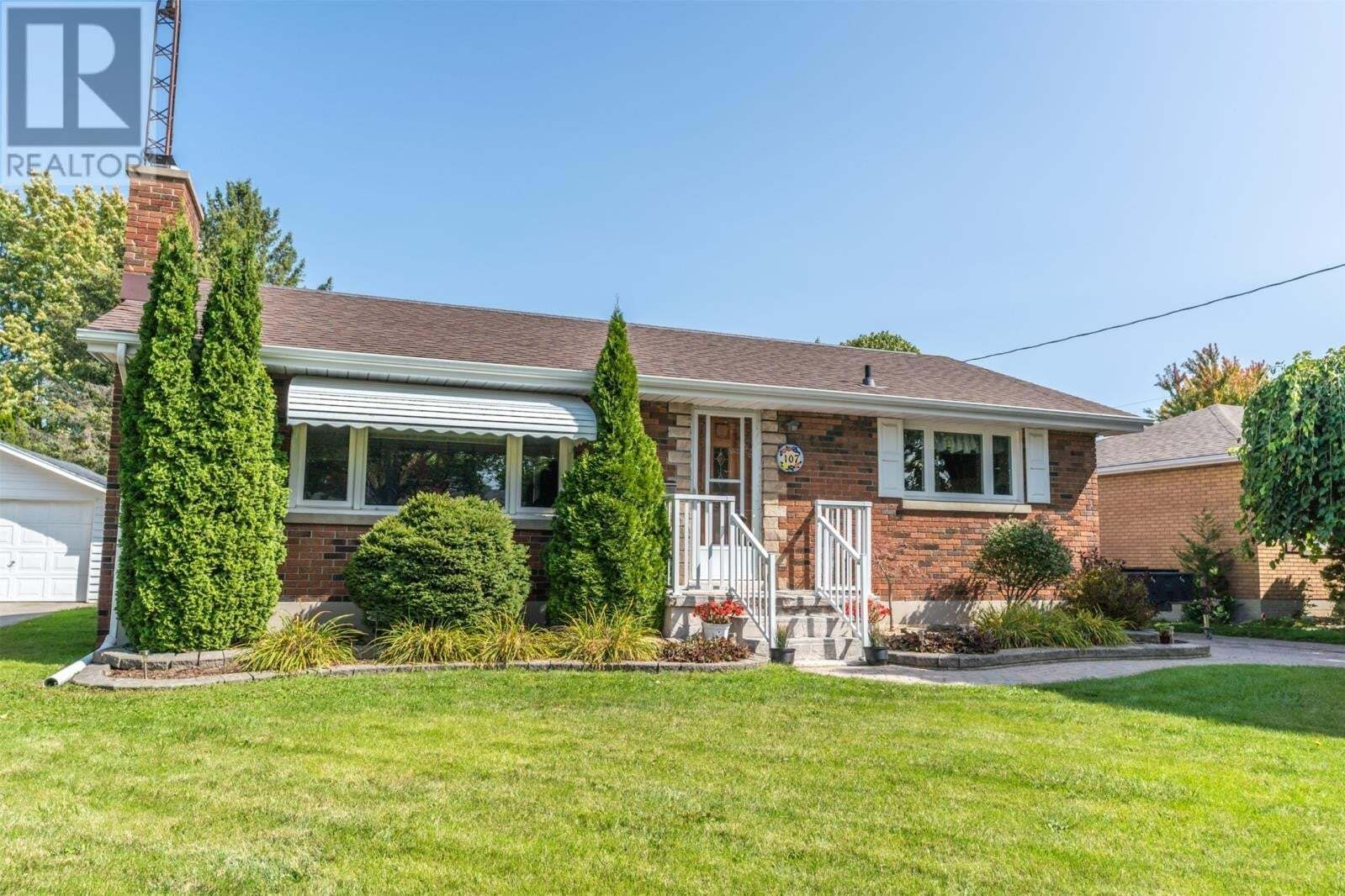 House for sale at 107 John St Chatham Ontario - MLS: 20012439