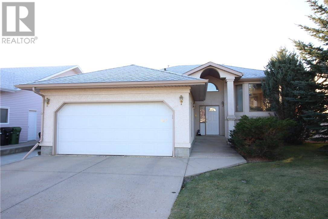 House for sale at 107 Parkridge Dr Camrose Alberta - MLS: ca0180975