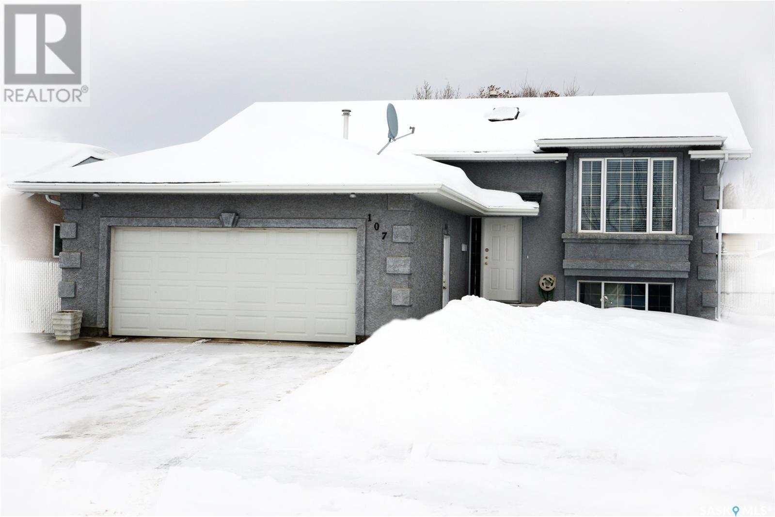 House for sale at 107 Parr Pl Saskatoon Saskatchewan - MLS: SK839470