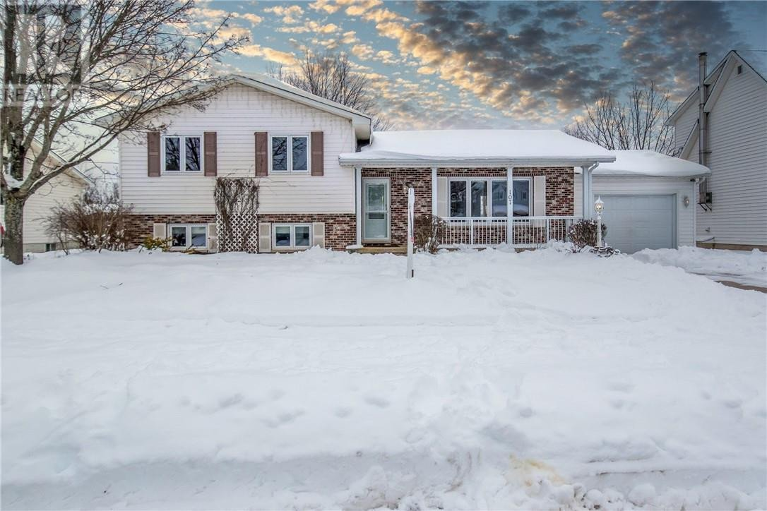 House for sale at 107 Summerhill Dr Moncton New Brunswick - MLS: M132433