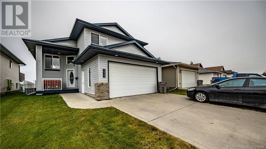 House for sale at 10705 72 Ave Grande Prairie Alberta - MLS: GP210546