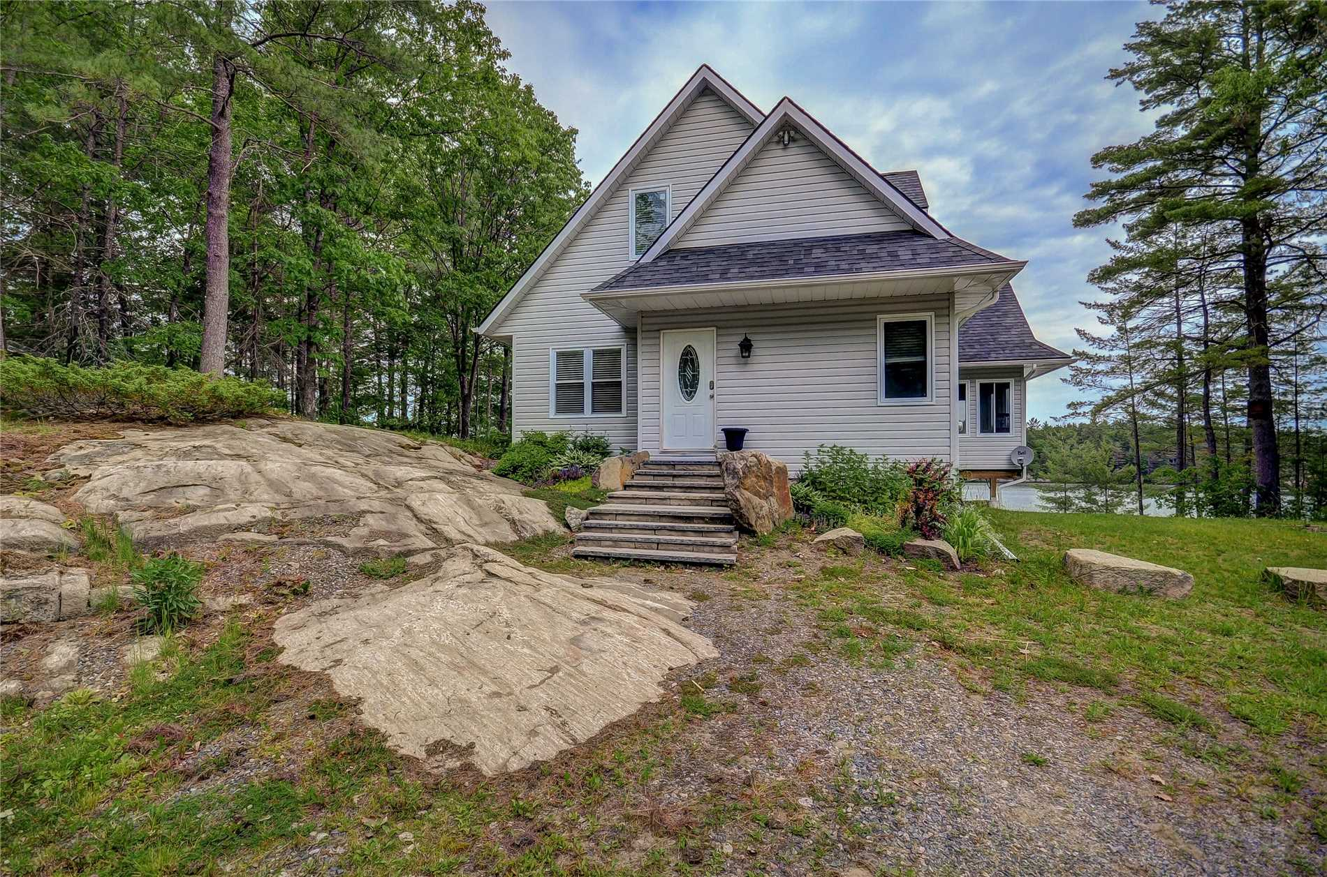 Sensational 1071 Elzner Road Gravenhurst Zolo Ca Home Interior And Landscaping Ologienasavecom