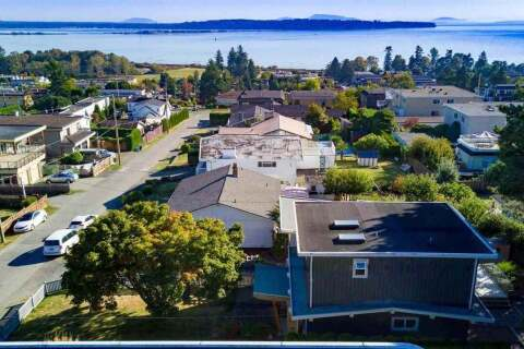 House for sale at 1071 Kent St White Rock British Columbia - MLS: R2471654