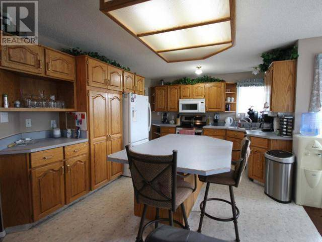 10713 Cottonwood Crescent, Dawson Creek | Image 2
