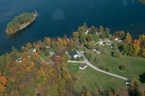 Home for sale at 1072 Perry Ln South Frontenac Ontario - MLS: X4550186