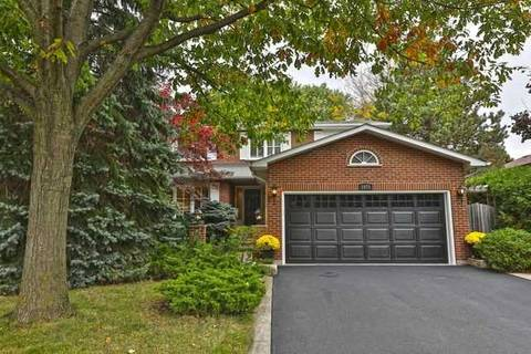 House for sale at 1075 Roxborough Dr Oakville Ontario - MLS: W4611617