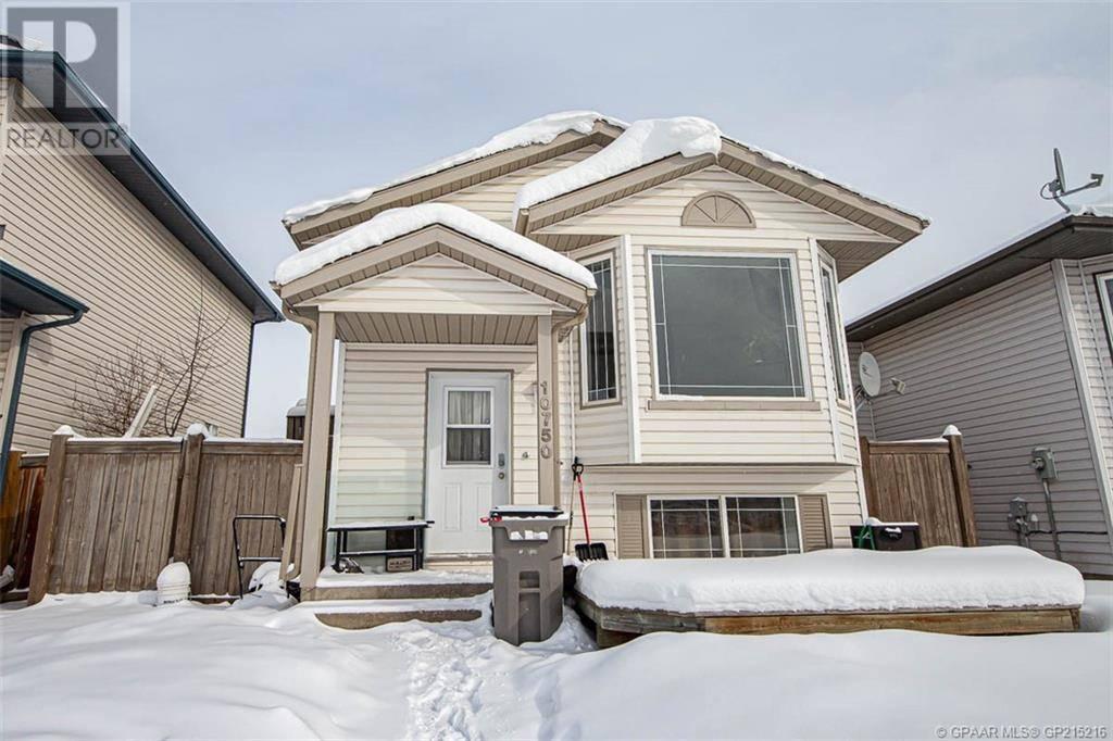 House for sale at 10750 73 Ave Grande Prairie Alberta - MLS: GP215216
