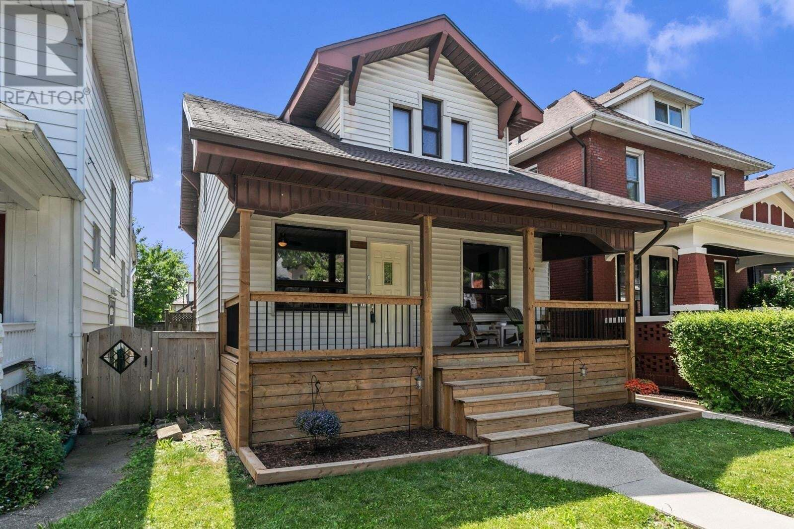 House for sale at 1077 Windermere  Windsor Ontario - MLS: 20007910