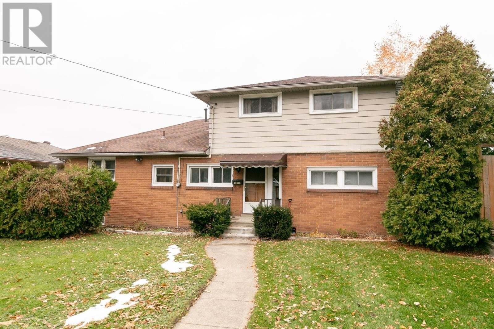 House for sale at 10770 Riverside Dr East Windsor Ontario - MLS: 20011469